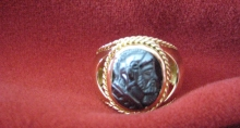 18k Yellow Gold Men's Ring with Hematite Cameo